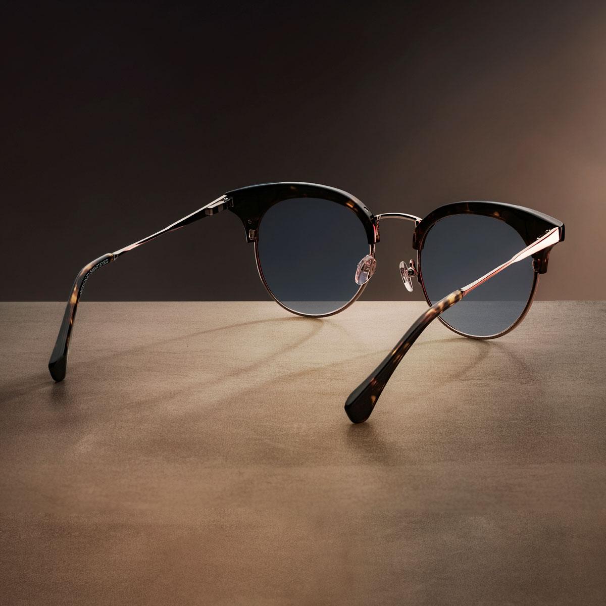 Se briller i høj kvalitet online hos Smarteyes