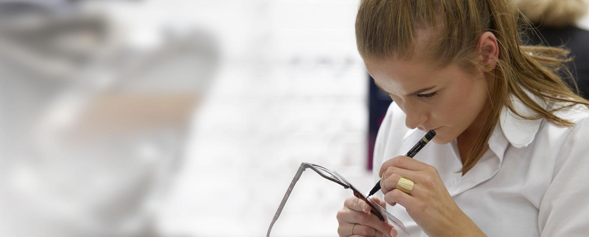 Praktik som optikstuderende eller salgsassistentelev